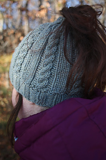 free knit ponytail hat pattern