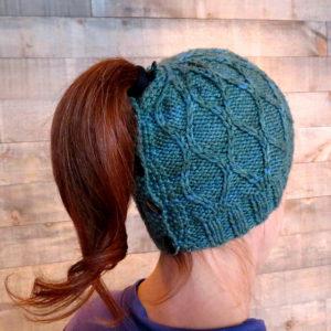 pattern low ponytail knit hat