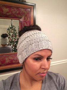free pattern knit ponytail beanie