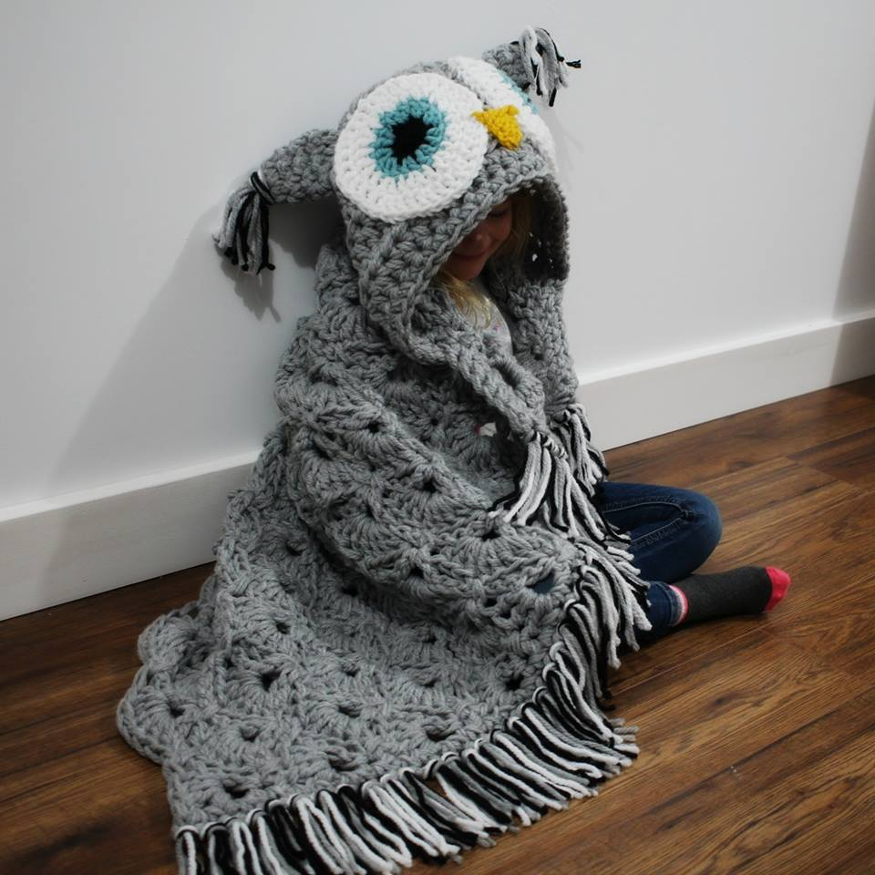 Hooded blanket owl crochet blanket