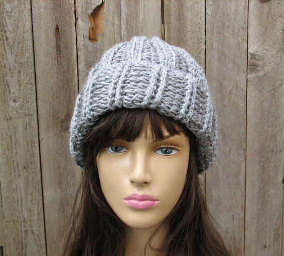 The closest crochet hat pattern I could find at the moment that looks like  the one Chloe Kim is wearing is available from Eva s Studio and can be  purchased ... 1400d92c8db